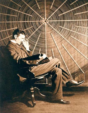 File:Nikolateslareclinesnexttocoil.jpg