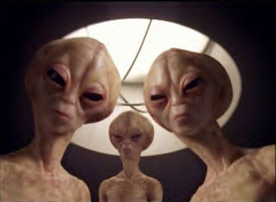 File:Three Aliens.jpg