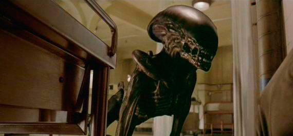 File:Alien-3dogalieninfarmary.jpg