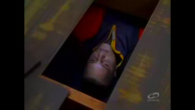 File:Cole and Mel find the body of the missing teenager.png