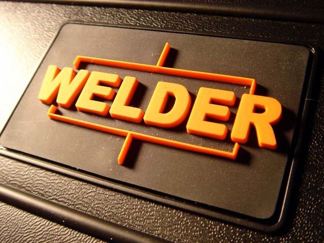 File:Welder8ry7.jpg