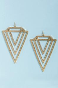 File:V Totaler Gold Triangle Earrings.jpg