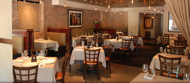 File:American restaurant dining room.jpg