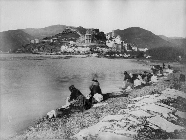 File:Noack, Alfred (1833-1895) - Ventimiglia - Lavandaie.jpg