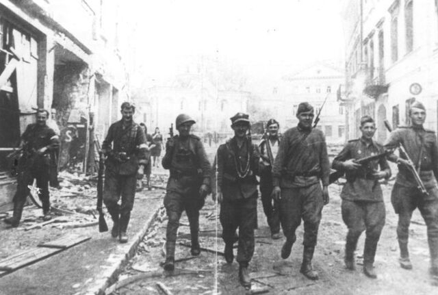 File:19440712 soviet and ak soldiers vilnius.jpg