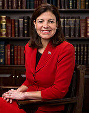 220px-Kelly Ayotte, Official Portrait, 112th Congress 2-1-