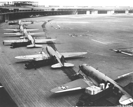 File:Planes.jpg