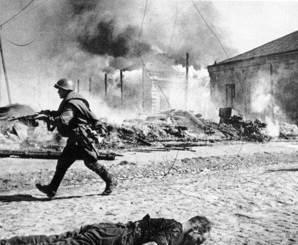 File:Street fight babruysk 28th or 29th june 1944.jpg
