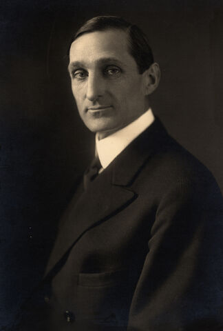 File:William Gibbs McAdoo, formal photo portrait, 1914.jpg
