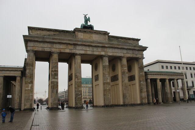 File:Brandenburg-Gate.jpg