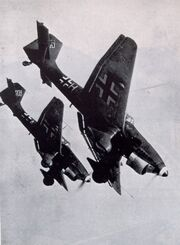 Ww-ii-stukas-attacking