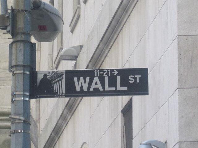 File:800px-Wall Street Sign NYC.jpg