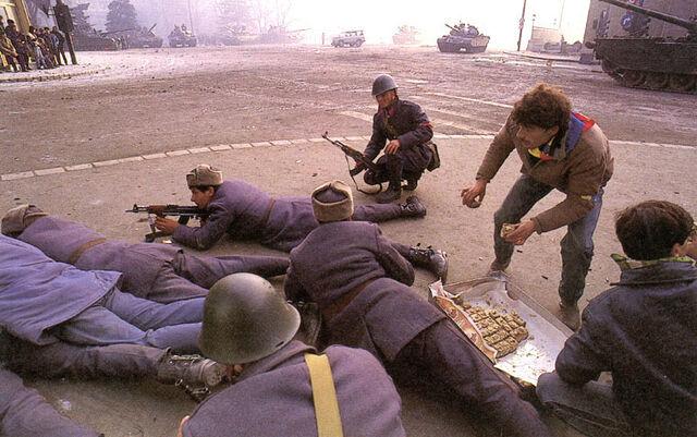 File:Romanian Revolution 1989 5.jpg