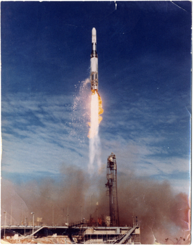 File:Blue-streak-launch-at-woomera.png