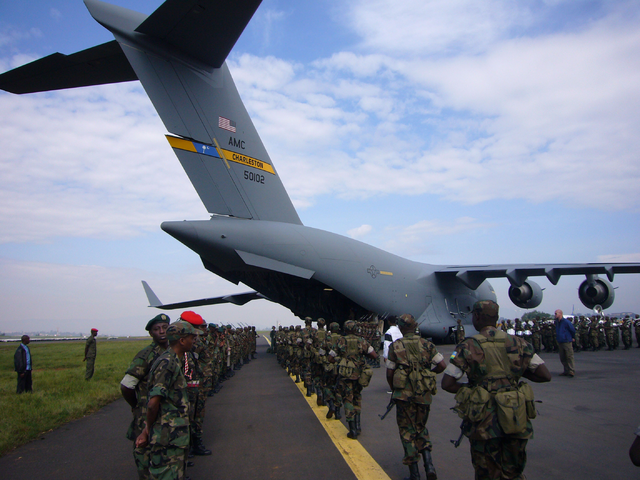 File:Kenyan Soldiers transport with USAF C-17.png