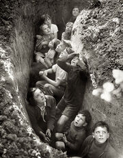 Battle-of-britain-children-in-an-english-bomb-shelter-england-1940-41
