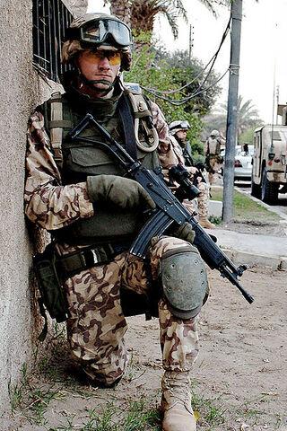 File:400px-Estonian soldier DA-SD-06-03436 c1.jpg