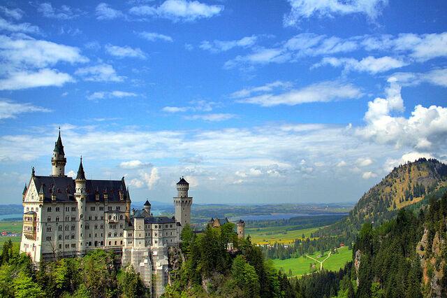 File:800px-Schloss-Neuschwanstein.jpg