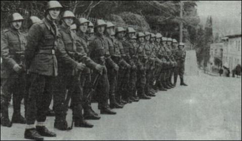 File:Romanian Parade May 10 1950.PNG