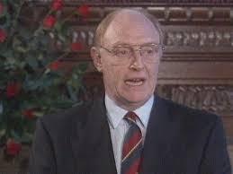 File:Kinnock resign.jpg