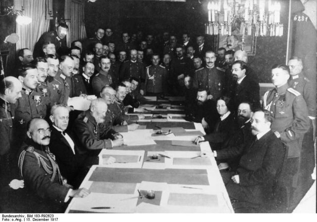 File:Bundesarchiv Bild 183-R92623, Brest-Litowsk, Waffenstillstandsabkommen.jpg