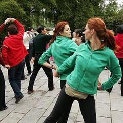 Jaime &amp; Cara doing the <i>Choreography</i> Detour in Leg 9.