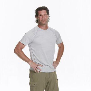 Joey's full body photo for <i>The Amazing Race</i>.