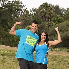 Jason &amp; Amy's alternate promotional photo for <i>The Amazing Race 23</i>.