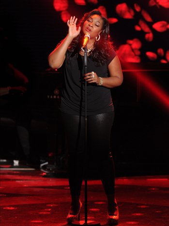 File:Candice glover top 6 perf p.jpg