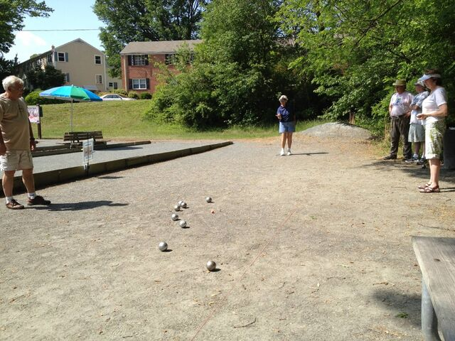 File:American petanque players NC and Zanesfield.jpg