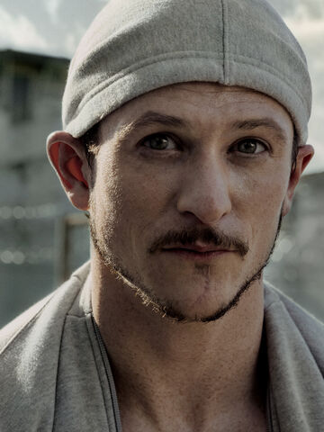 File:Jonathan tucker low key lyesmith.jpg