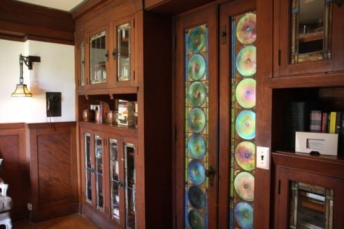 File:1120-Westchester-Place-study-with-stained-glass-doors1.jpg