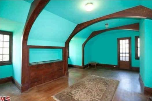 File:Rosenheim-Mansion-Violets-bedroom.jpg
