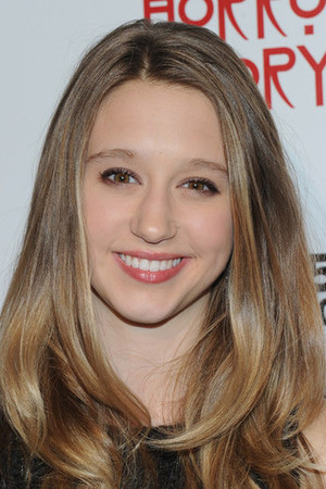File:Taissa-farmiga-profile.jpg