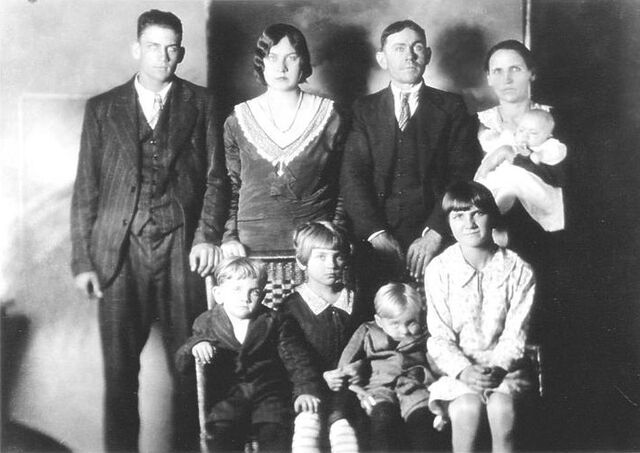 File:Charles Lawson and family.jpg