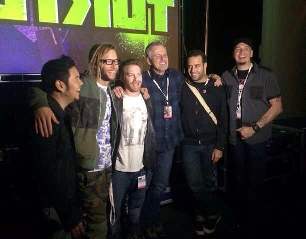 File:Rob Paulsen, Seth Green, Brandon Auman, Ciro Nieli, Greg Cipes, & Eric Bauza - NY ComicCon 2014.jpg