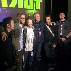 Rob, Seth Green, Brandon Auman, Ciro Nieli, Greg Cipes, and Eric Bauza at the 2014 New York ComicCon.