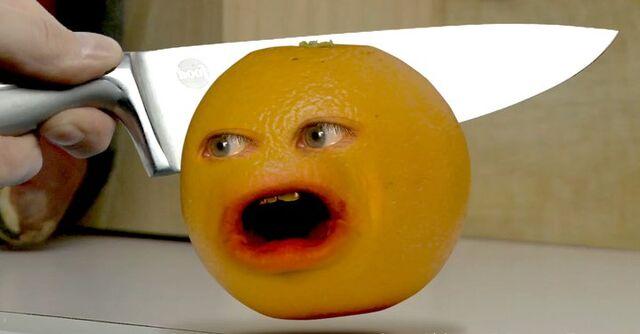 File:Annoying Orange Knifed.jpg