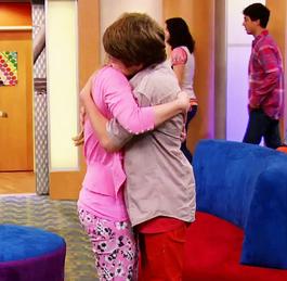 FOLIVE Hug highres2 copy