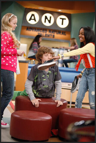 File:Ant-farm-the-replacemant-stills-4.jpg