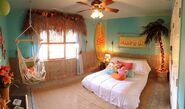 Beach hut bedroom