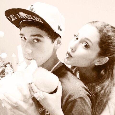 File:Ariana-grande-jai-brooks-3.jpg