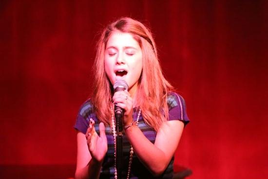 File:Ariana Grande singing.jpg