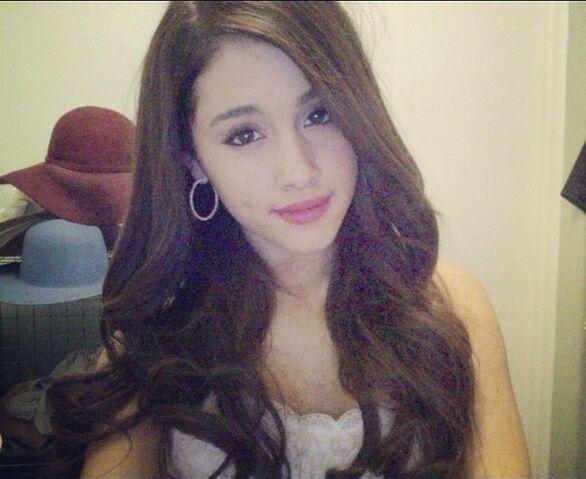File:Ariana G.jpg
