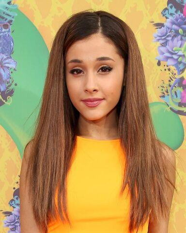 File:Ariana-grande-kids-choice-awards-2014-.jpg