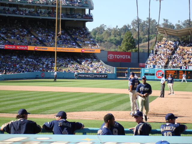 File:Dodger Stadium-1195663771-38.jpg