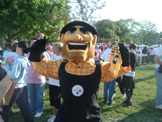 File:Steelers Mascot-Race for the Cure 76648.jpg