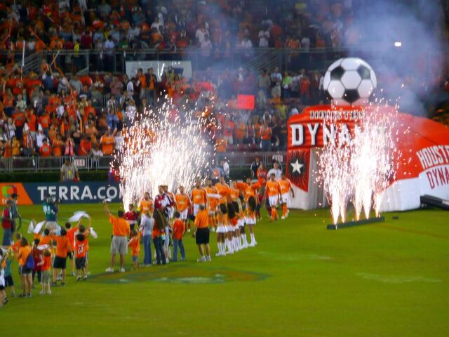 File:Houston Dynamo-1207078717-896.jpg
