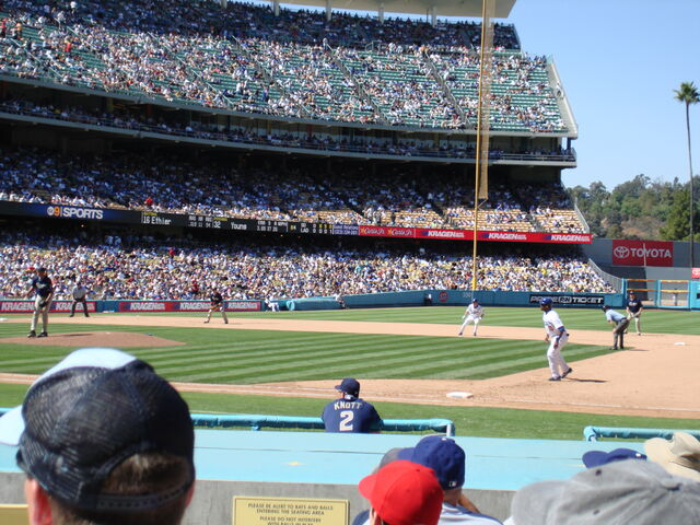 File:Dodger Stadium-1195663742-119.jpg