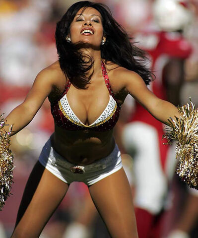File:07-hot-cheerleaders.jpg